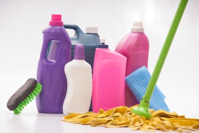 洗剤と掃除道具